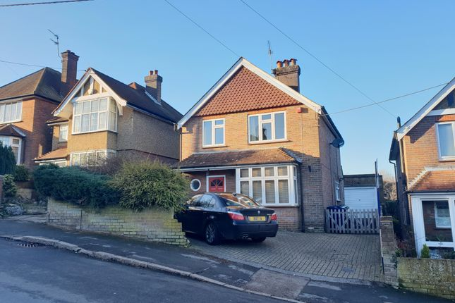 Thumbnail Property to rent in Lowndes Avenue, Chesham