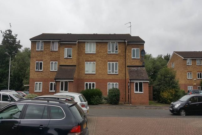 Thumbnail Flat to rent in Frazer Close, Romford, Essex