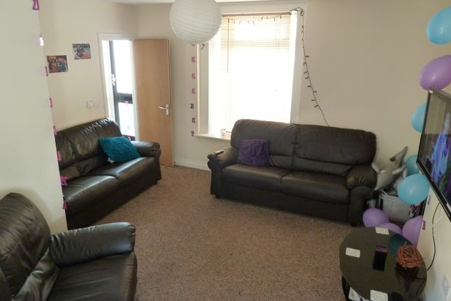 Thumbnail Shared accommodation to rent in Chedworth Street, Plymouth