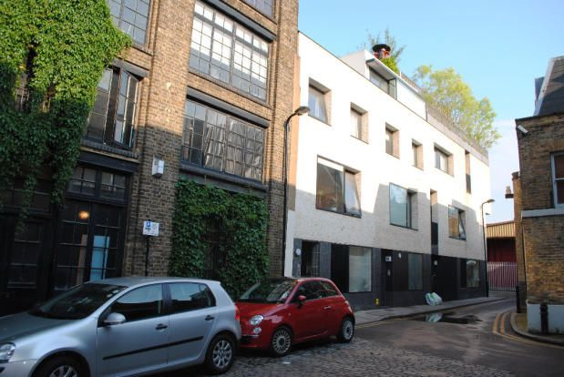 Thumbnail Flat to rent in French Place, Shoreditch/Liverpool Street