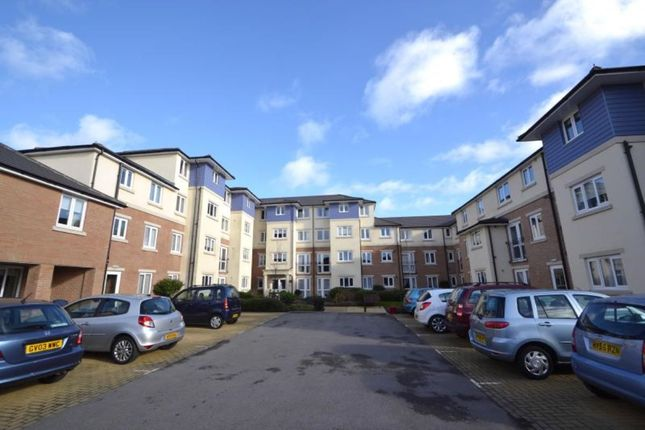 Thumbnail Flat to rent in Alverstone Road, Southsea