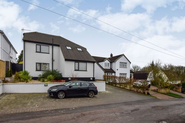 Thumbnail Detached house for sale in Barn Hill, Roydon