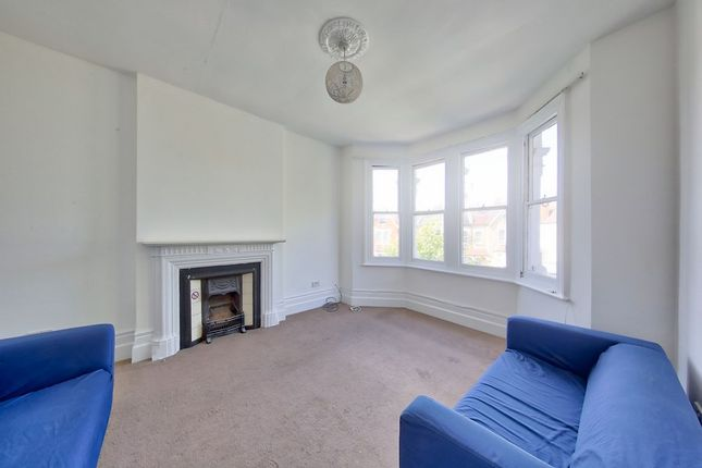 Thumbnail Flat to rent in Oakdale Road, Streatham