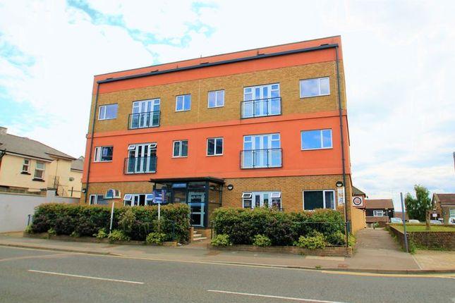Thumbnail Flat to rent in High Street, Northfleet, Gravesend
