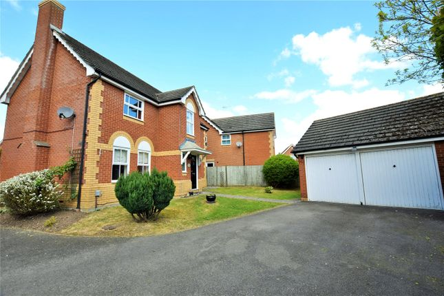 Thumbnail Detached house to rent in Jigs Lane South, Warfield, Berkshire