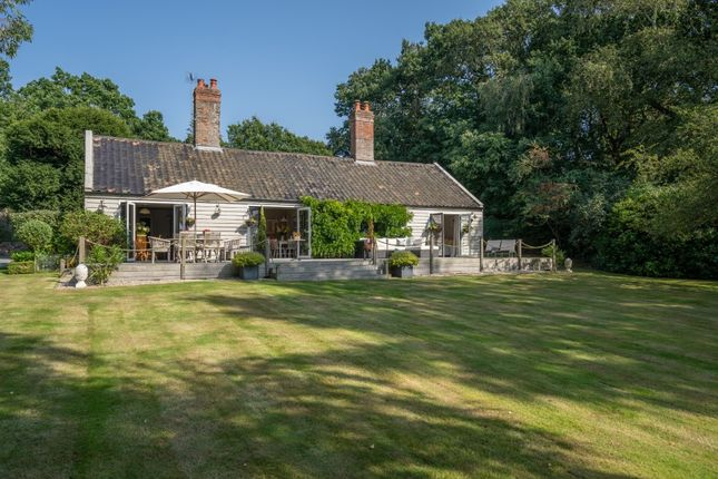 Thumbnail Cottage for sale in Brickfields, Somerleyton, Lowestoft