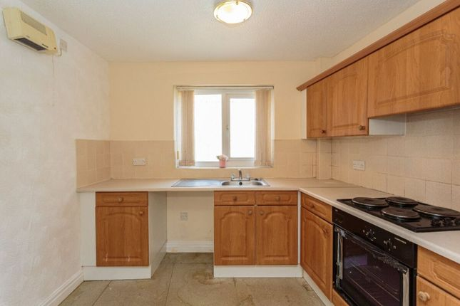Thumbnail Flat to rent in Hornby Road, Blackpool