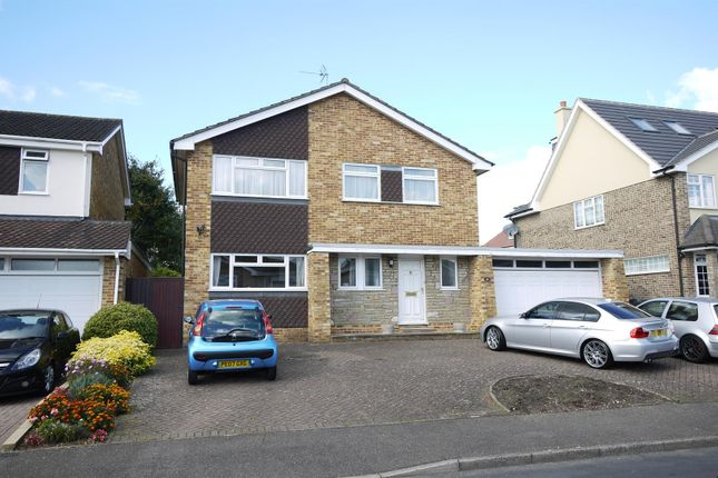 Thumbnail Detached house for sale in Baas Hill Close, Broxbourne