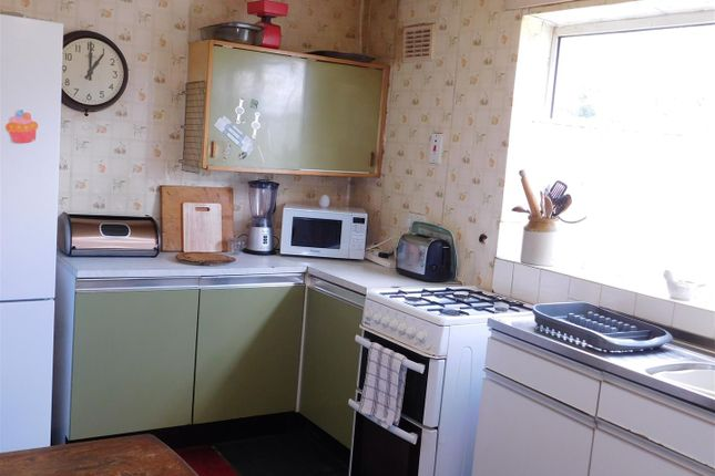Kitchen of Rosary Close, Oldham OL8