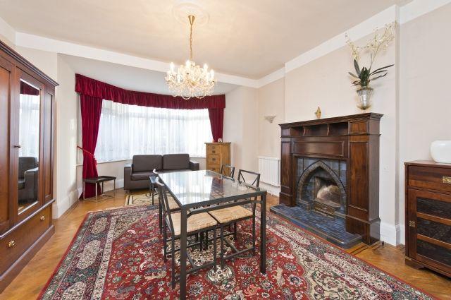 Thumbnail Detached house to rent in Gunnersbury Avenue, Ealing, London