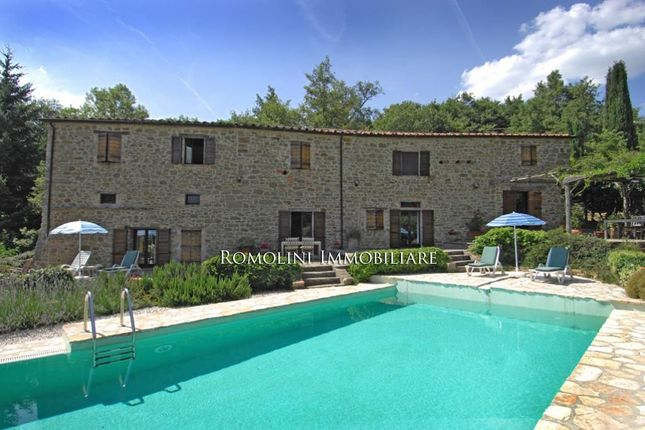 4 bed country house for sale in Monte Santa Maria Tiberina, Umbria, Italy