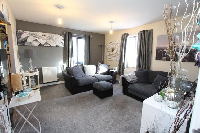 Living Room of Kirkistown Close, Rugby CV21