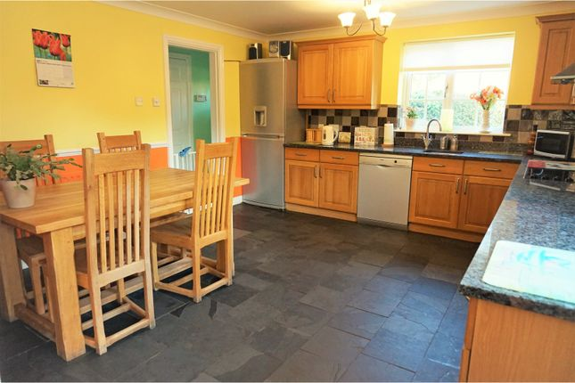 Thumbnail Detached house for sale in Great North Road, Cromwell, Newark