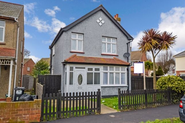 Thumbnail Detached house to rent in Upper Park Road, Clacton-On-Sea