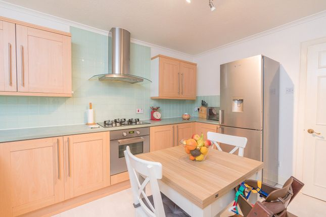 Kitchen Alt of Iona Street, Edinburgh EH6