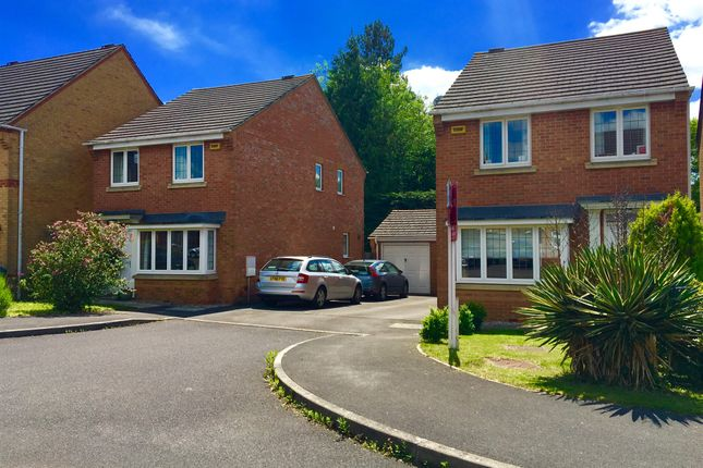 Thumbnail Detached house for sale in Weybridge Close, Sarisbury Green, Southampton
