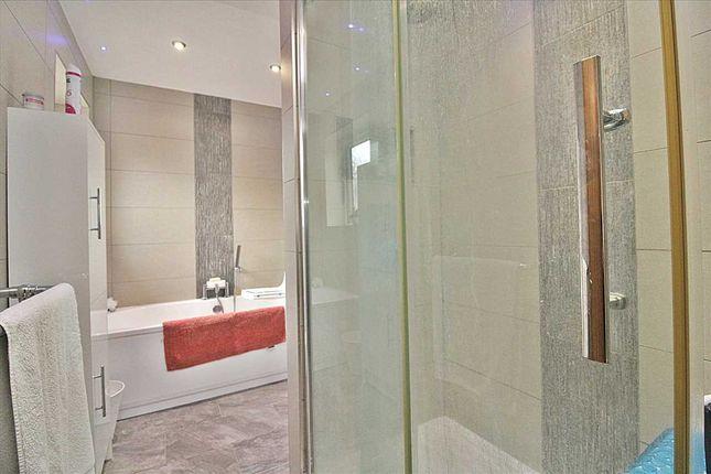 Bathroom of Hood Crescent, Wallisdown, Bournemouth BH10
