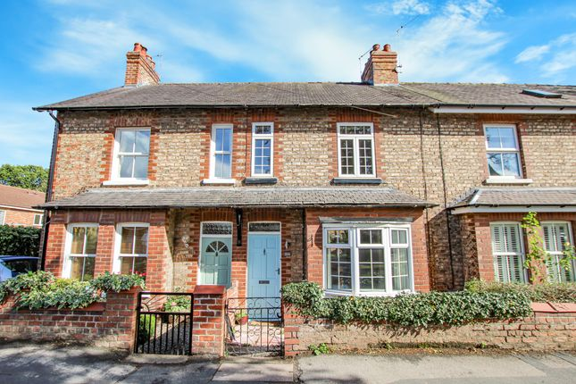 2 bed terraced house to rent in The Village, Haxby, York YO32