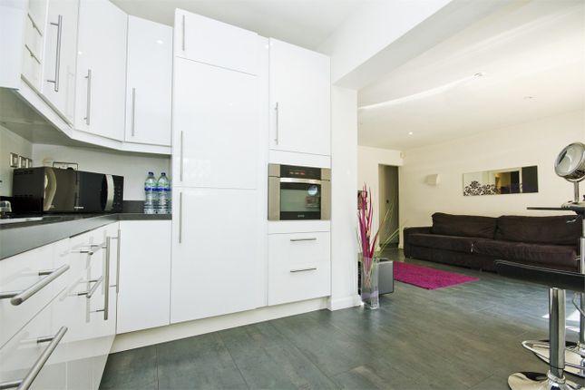 Thumbnail Flat to rent in Leamington Park, Acton