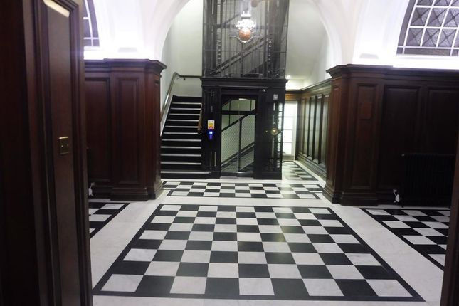 Thumbnail Flat to rent in Mount Stuart Square, Cardiff
