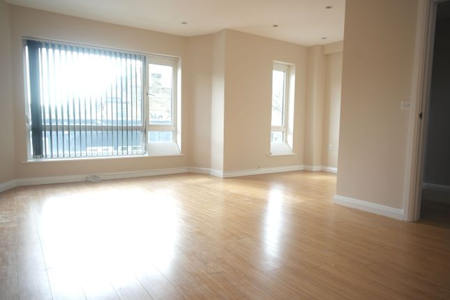 3 bed town house to rent in Lincoln Road, East Finchley