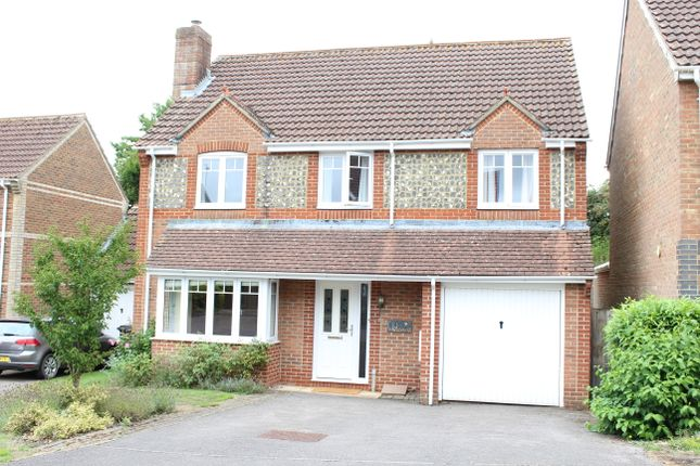 Thumbnail Detached house for sale in Aldbourne Close, Hungerford