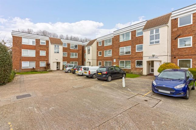 2 bed flat to rent in Westdown Court, Downview Road, Worthing BN11