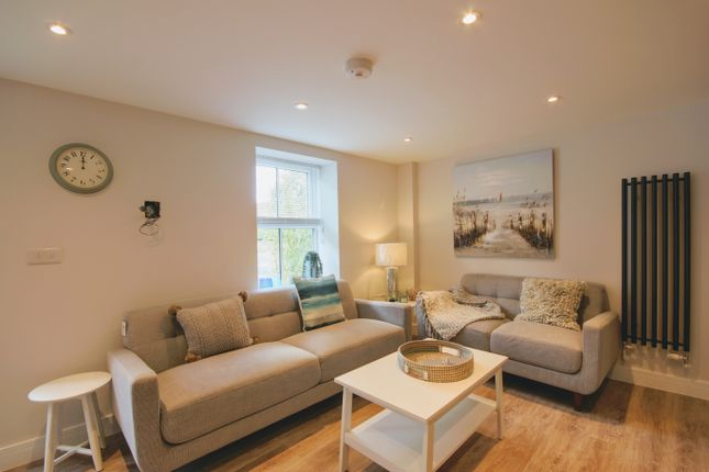 3 Bed Town House For Sale In Wells Yard High Street East