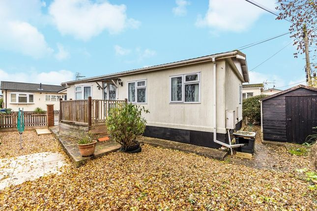 Mobile/park home for sale in Whelpley Hill, Buckinghamshire