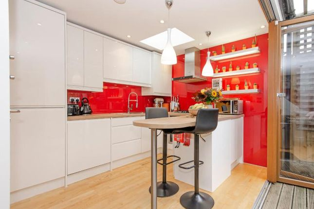 Kitchen of Fortis Green, London N2