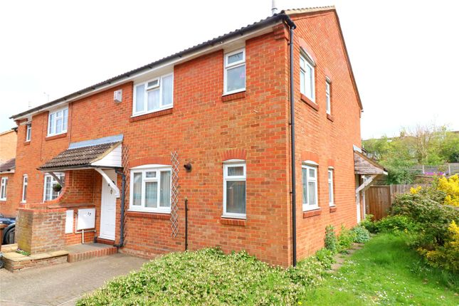 Thumbnail Property for sale in Roman Gardens, Kings Langley