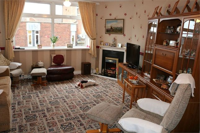 Thumbnail Flat for sale in 11A West Street, Bourne, Lincolnshire