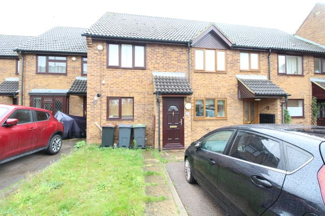 2 bed terraced house to rent in Lucas Gardens, Luton LU3