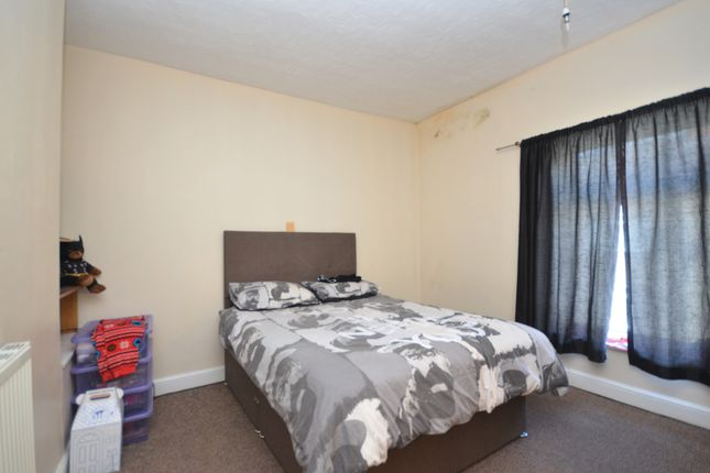 Bedroom 1 of Tunnard Street, Grimsby DN32