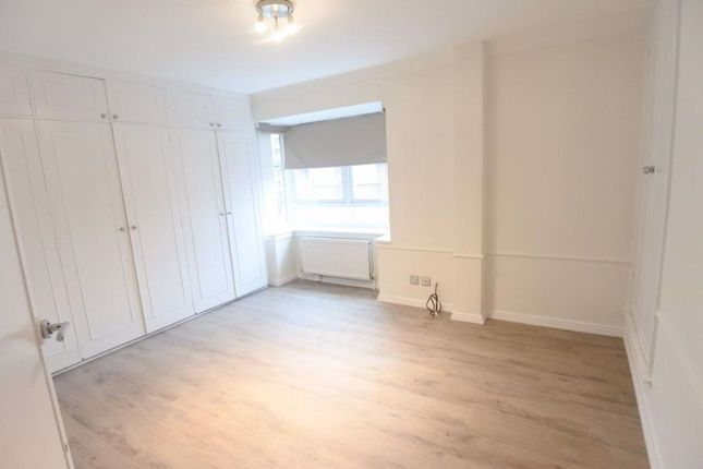 Town house to rent in Avenue Road, Primrose Hill, London