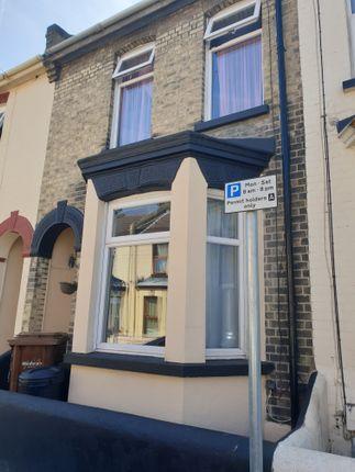 Thumbnail Semi-detached house to rent in Gordon Road, Gillingham
