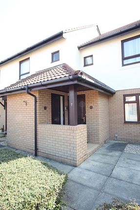Thumbnail Flat to rent in Pine Grove, Rhos On Sea, Colwyn Bay