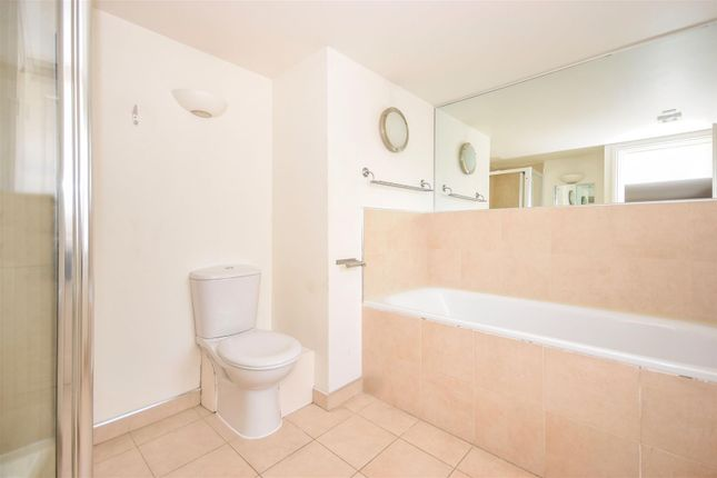 Home Park Road London SW19 2 Bedroom Flat For Sale