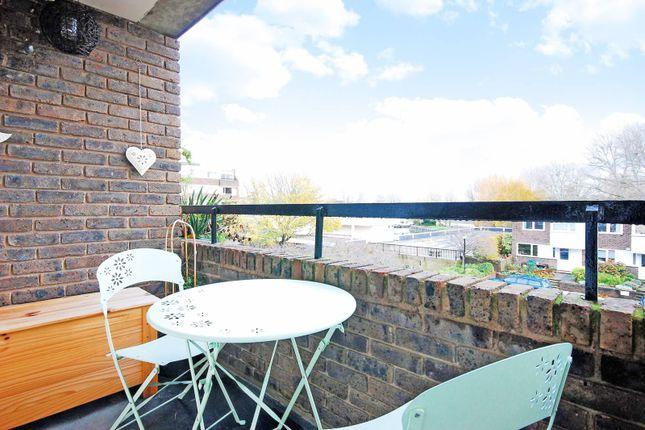 Brentford Dock River Views Property To Rent