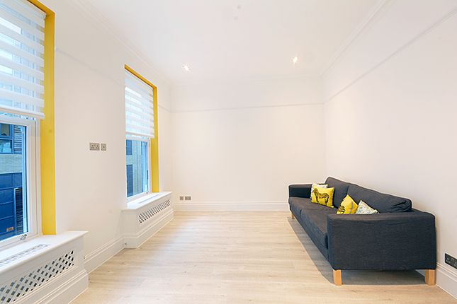 Thumbnail Mews house to rent in Cheines Mews, London