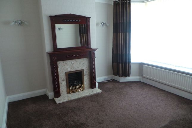 Thumbnail Semi-detached house to rent in Bank Hall Road, Smallthorne, Stoke-On-Trent
