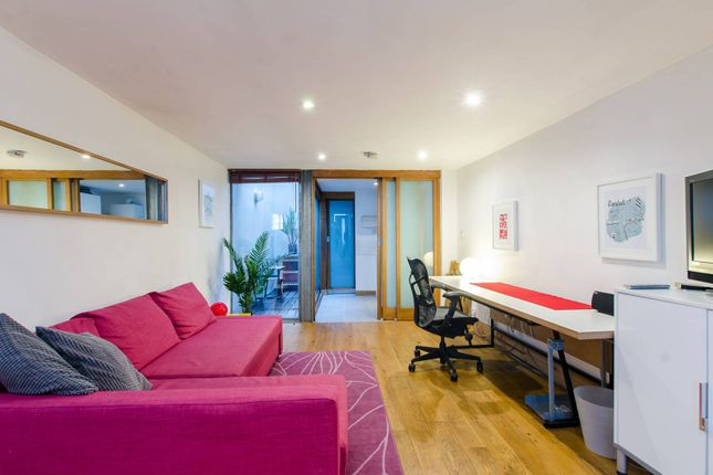 Thumbnail Terraced house for sale in Globe Road, Bethnal Green