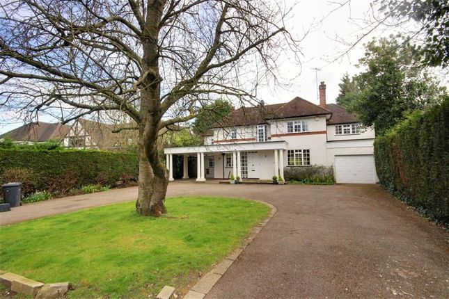 Thumbnail Detached house to rent in Oakridge Avenue, Radlett, Hertfordshire