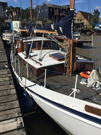Thumbnail Houseboat for sale in High Street, Rochester, Medway, Kent