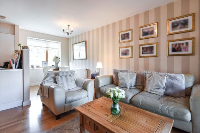 Living Room of Goodwin Way, Romford RM3