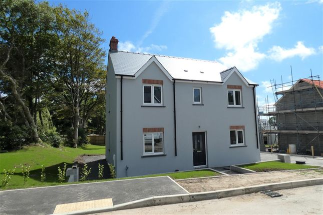 Main Picture of Larchwood, Houghton, Milford Haven SA73