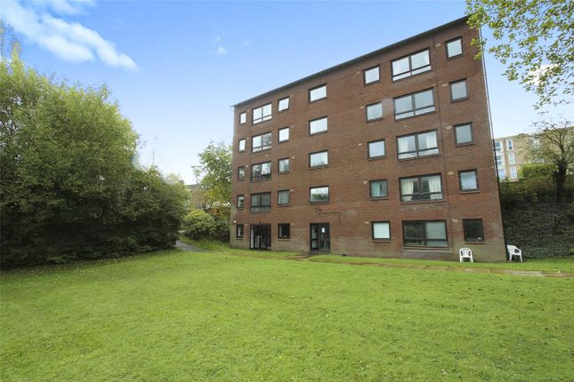 2 bed flat for sale in Willow Court, Abbey Road, Macclesfield SK10