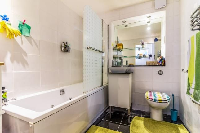 Bathroom of 2 Ducie Street, Piccadilly, Manchester, Greater Manchester M1