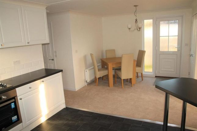 2 bed mobile park home for sale in brownfield gardens maidenhead sl6 45517812 zoopla