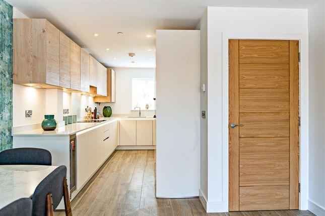 Kitchen... of 6, Albury Place, Shrewsbury SY1